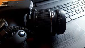 camera-on-desk