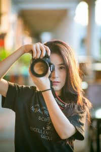 photographer-taking-a-picture
